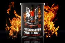 Billedet viser en pakke med Trinidas Scorpion chili peanuts, nogle ekstremt stærk nødder.